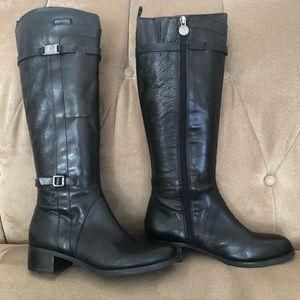Etienne Aigner black boot never worn